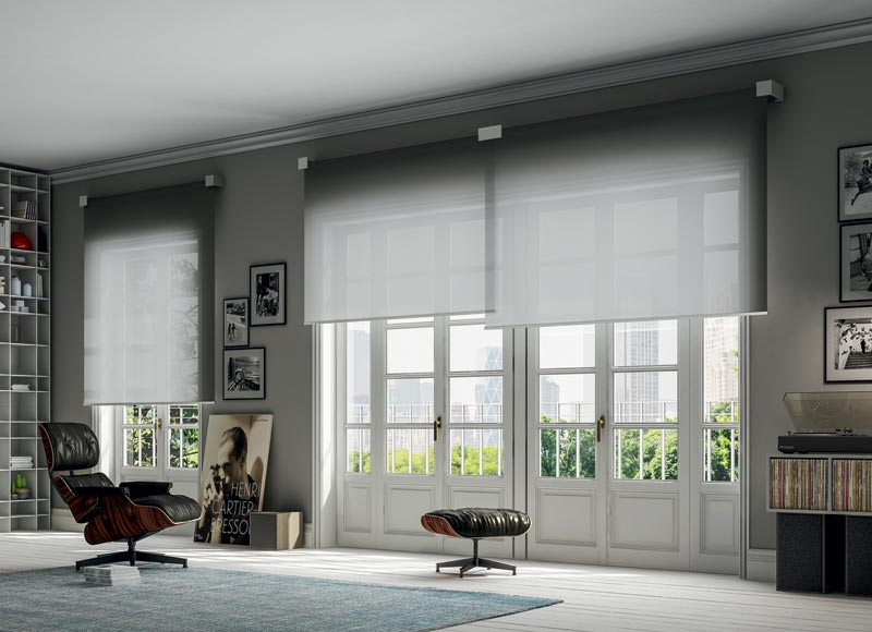 Double-overlapping-roller-blind