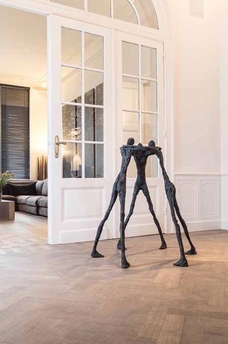 Contemporary-bronze-sculpture- floor-standing-humen