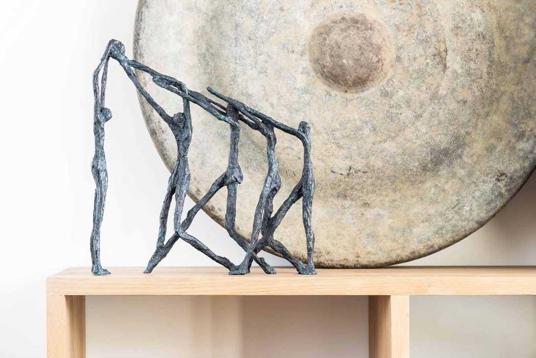 Contemporary-scuplture,bronze-human-figures