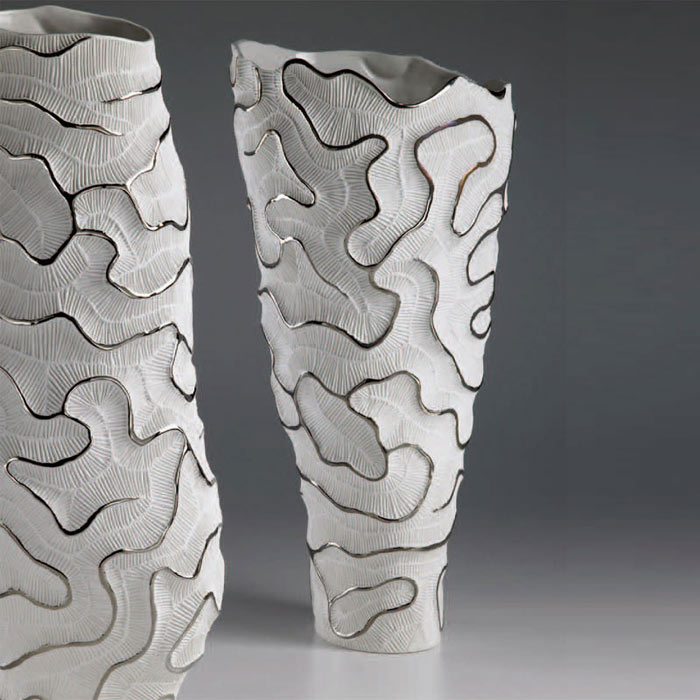Flowe-vase-white-and-silver