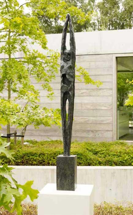 Garden-contemporary-bronze-scuplture