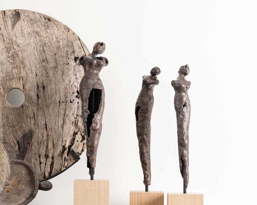 Woman-bronze-contemporary-sculpture