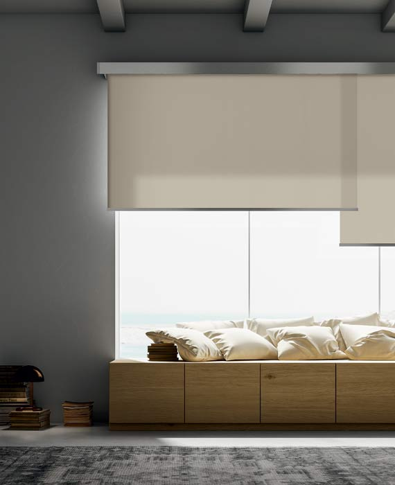 Luxury-overlapping-blinds-for-massive-windows